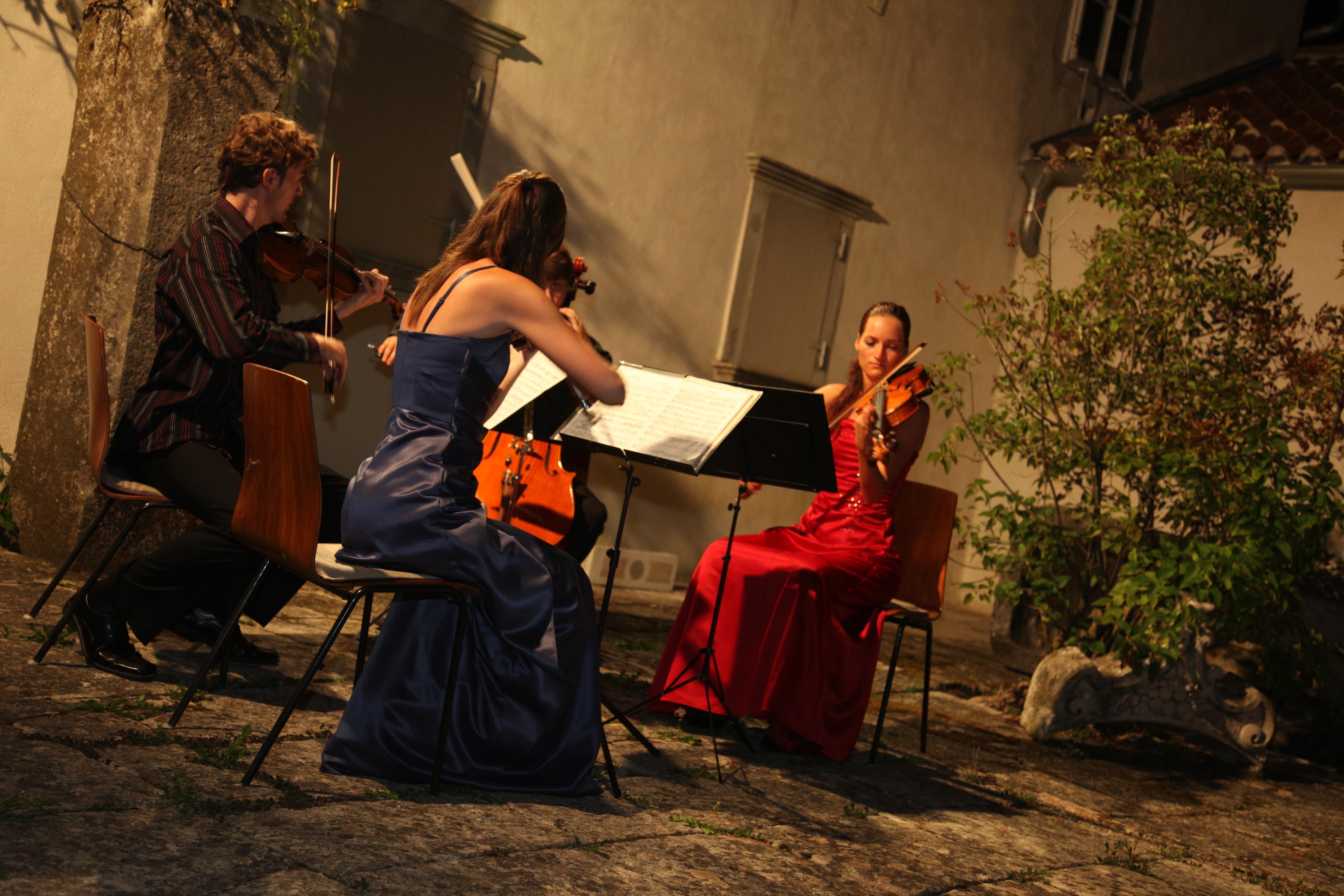 Koncert u atriju sv. Marije Magdalene u Portu1.JPG