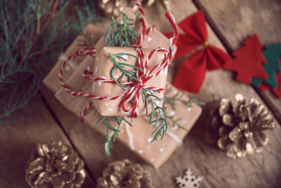 Christmasgifts-GettyImages-623081412-5be8e7f946e0fb0051eec793.jpg